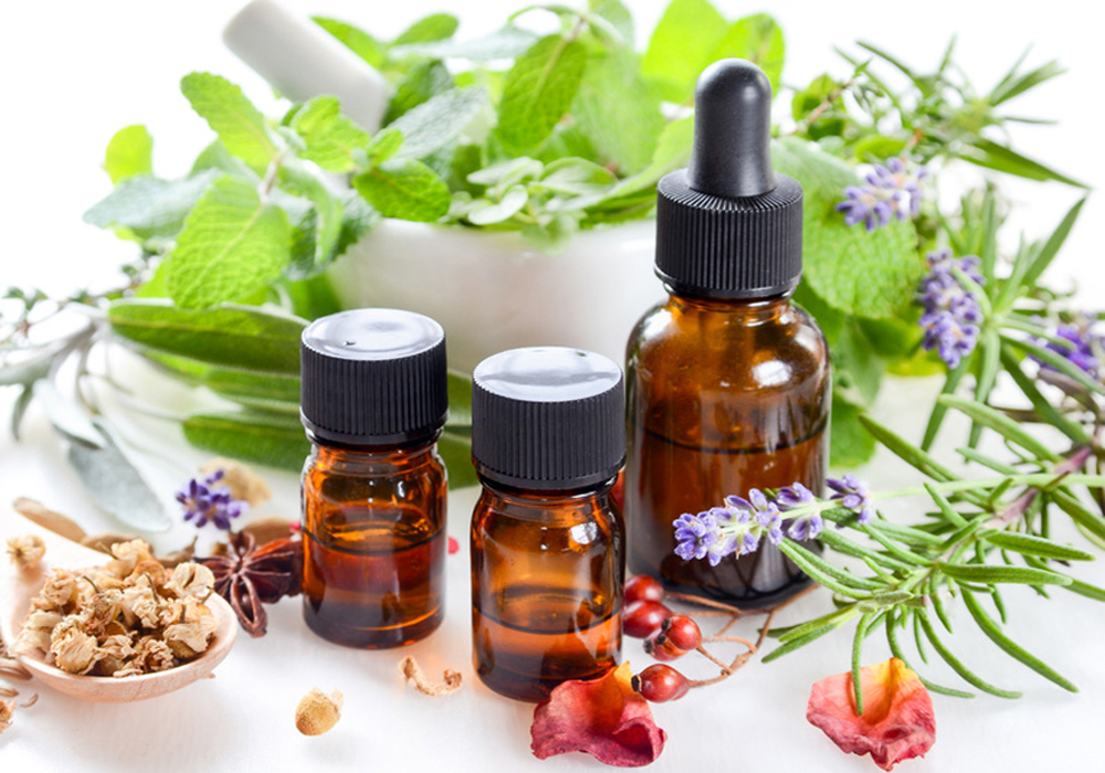 alternative therapy with essential oils and herbs